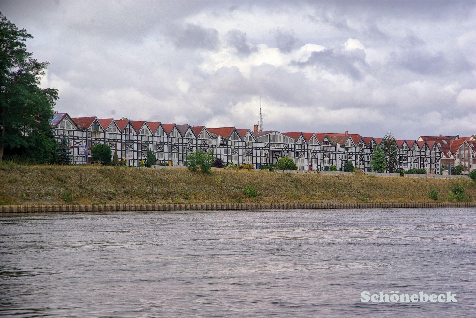 Mit Kajak Und Kanadier Auf Der Elbe